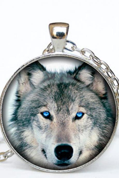 Wolf pendant Wolf necklace Wolf jewelry nature necklace